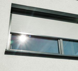 Döscher Tischler Sonnenschutz Fenster